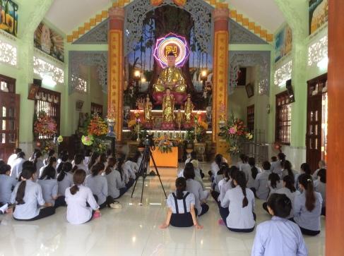 """Được nghe Sư cô Thích Nữ Hương Nhu nói về đề tài """"Giáo dục con cái thời hội nhập""""."""